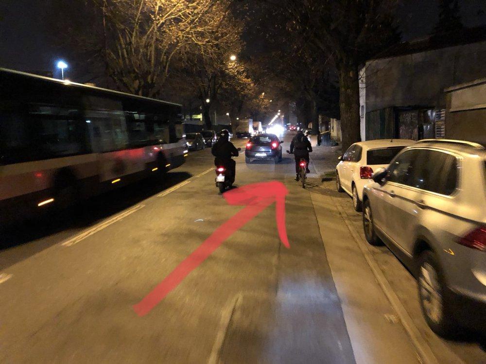 Faute de piste cyclable, l'avenue Dolivet (D63) reste impraticable pour le néocycliste et pour les enfants et les personnes âgées à vélo (Photo: FARàVélo).